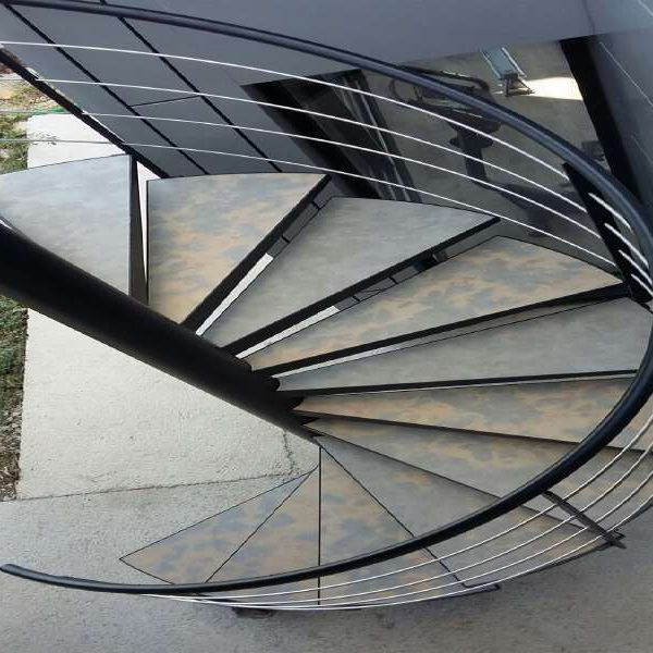Escalier interieur nimes escalier exterieur montpellier for Escalier en metal pour exterieur