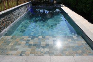 intérieur de piscine quartzite