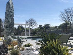 Monolithe quartz vert- décoration de jardin
