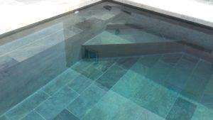 intérieur de piscine vert de mer